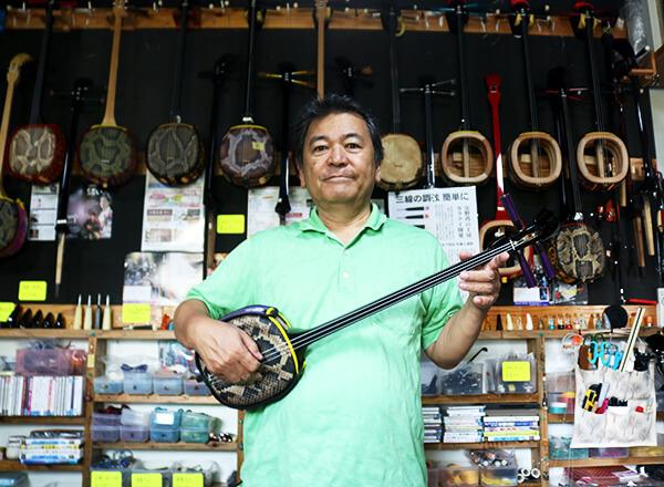 上里三線店が、沖縄の伝統文化・三線の未来を切り開く