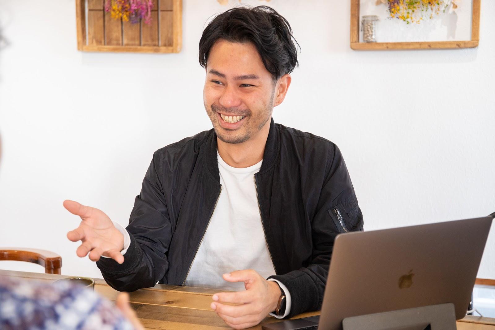 当時の営業部長にはかなり心配されましたね。けど僕は過去に福岡で飲食店をやっていた経験から、根拠のない自信があって。いいや、辞めちゃえ!という感じで、勢いで辞めました。(笑)自分たちが売る力さえつければ絶対に売れるんだ、という感じで。