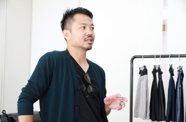 自身が培ったノウハウを元にやっていこうと決意し、沖縄でブランドを立ち上げた。