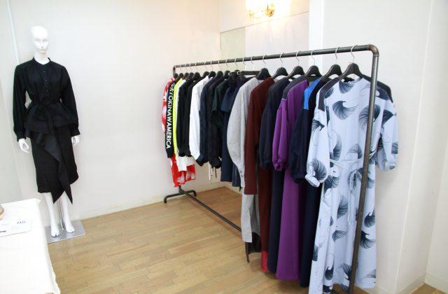 """沖縄でファッションブランドを立ち上げることに周囲からの反対はあったものの、""""ここに帰ってきてよかった""""と比嘉さんは言う。"""