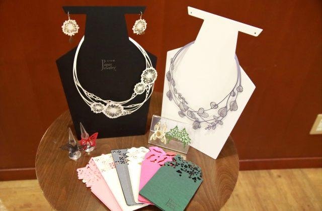 写真/Paper Jewelry